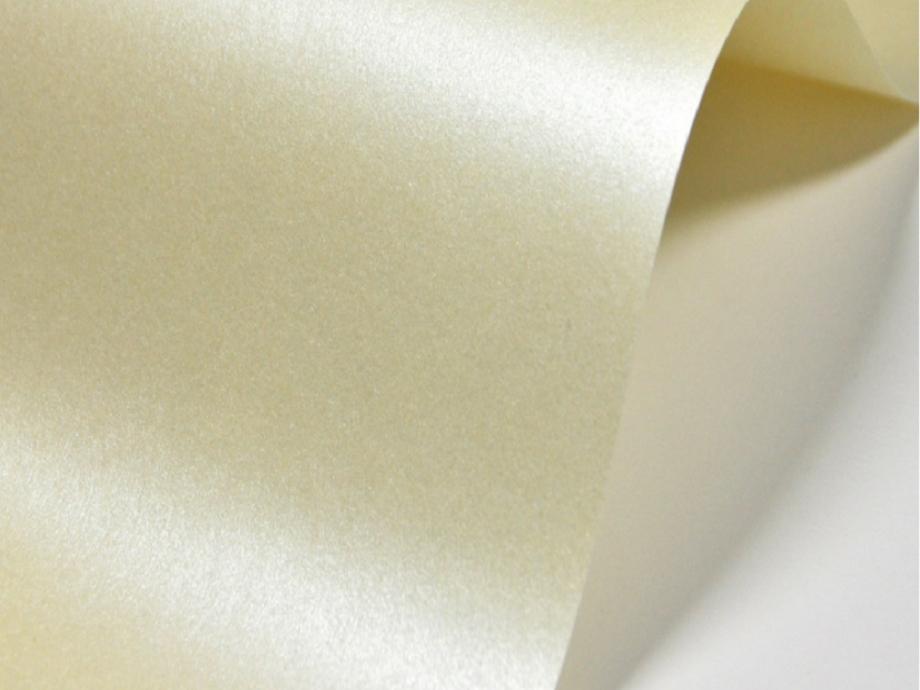 Χαρτονάκι Α4 Majestic 250gr 1φ candlelight cream
